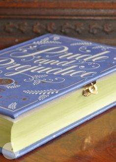 DIY Book Clutch Tutorial - Big DIY Ideas