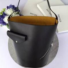 Celiné'in en yeni çantası Bucket Biker Bag MosModa'da! #celine #celinebucketbikerbag #bags #fw16 #mosmoda  https://www.mosmoda.com.tr/product/celine-bucket-biker-bag-mty87590