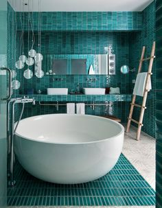 Bathroom Interior Design Trends 2019 Bathroom Interior Design Trends Spa and hotel-inspired bathrooms are considered as a design trend for this year. Although the bathroom trends are changing… Dream Bathrooms, Beautiful Bathrooms, Luxury Bathrooms, Small Bathrooms, Contemporary Bathrooms, Tile Bathrooms, Master Bathrooms, Chic Bathrooms, Contemporary Paintings