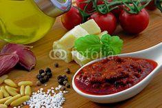 Pesto rosso and ingredients - Pesto Rosso und Zutaten