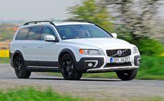 Volvo XC70 prodělalo vloňském roce decentní facelift. Ačkoliv vůz vzhledově omládnul, sjednou jeho částí se rozloučíme. Volvo, Nissan, Labrador, Car, Vehicles, Automobile, Labradors, Autos, Labs
