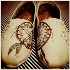 These are similar to the other Toms I pinned. I like the other pair better with the feather, but these are cute too