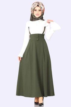 Hijab Fashion Summer, Modern Hijab Fashion, Abaya Fashion, Muslim Fashion, Modest Fashion, Fashion Outfits, Girl Fashion, Modele Hijab, Pakistani Dresses Casual
