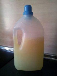 Cómo hacer jabón líquido para lavar la ropa con aceite usado | Decorar tu casa es facilisimo.com