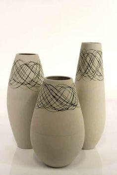 formes douces et arrondies pour ce trio de vases