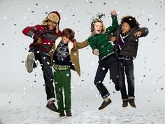 Latest Kids Winter Clothes Ideas 2018 15 - The arrival of a new born is the most welcome idea for parents. As parents you usually think of your baby and try to give him or her very best. Christmas Fashion, Kids Christmas, Simple Christmas, Christmas Editorial, Sergent Major, Christmas Campaign, Designer Baby Clothes, Fall Family Photos, Magazines For Kids