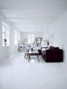 Everything white Floor BY COlOTA #floor #resinfloor #pouredfloor #castfloor #screed #interior #interiordesign #homedecor #homedesign #housedecor #housedesign #architecture #architect #interieur #interieurdesign #vloer #gietvloer #gietvloeren #living #livingroom #colota #colotagietvloeren #mataj #matajvloeren #madeinbelgium www.colota.be