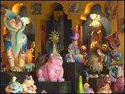 Las compras en Puerto Vallarta están muy enfocadas a las artesanías, ya que este bello puerto ha sido desde hace tiempo una meca para los artesanos de México. Las tiendas en Puerto Vallarta ofrecen gran cantidad de arte regional y de todo el país. Tendrás la oportunidad de escoger entre piezas únicas de los artistas plásticos más reconocidos en México y el mundo. Puerto Vallarta tiene Compras en Puerto Vallartaalgo para todos los presupuestos y si tienes buen ojo