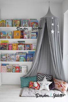 montessori am nagement d 39 un coin lecture dans une chambre d 39 enfant kidsrooms pinterest. Black Bedroom Furniture Sets. Home Design Ideas