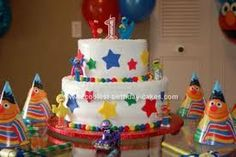 primary colors birthday party - love the cake minus the characters
