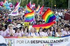 Los jóvenes LGTBI sufren más acoso que los adultos. La orientación sexual sigue siendo una de las principales causas de discriminación en espacios como la escuela y la Universidad, a nivel europeo. Kathleen Franck | ctxt · Contexto y Acción, 2017-07-03 http://ctxt.es/es/20170628/Firmas/13661/CTXT-LGTBI-derechos-discriminacion-observatorio.htm