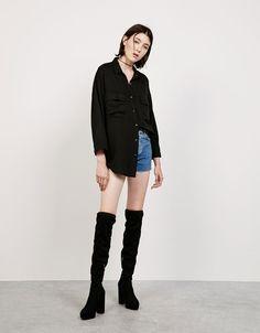 Camisa oversize Tencel. Descubre ésta y muchas otras prendas en Bershka con nuevos productos cada semana