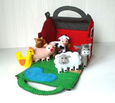This listing is for patterns and instructions to hand-sew a little red barn and six tiny farm animals out of felt, embroidery floss, and fun foam. ~~~o~~~o~~~o~~~o~~~o~~~o~~~o~~~ • This is a DIGITAL DOWNLOAD, not a PHYSICAL PRODUCT. You will not receive anything in the mail / by