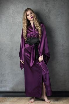 Most trendy colour of 2018! Classic Kimono from our Purple Poison collection.Deep, mysterious purple, inimitable character, somewhat autocratic yet feminine look in addition to the classic cut of the robe makes it one of the KATÂNA Lingerie bestsellers. Floor length kimono in geisha style is an item for sophistically seductive and finished image. The robe is handmade, crafted with attention to detail and passion for elegance. When ordered, we will craft it according to your height and body…