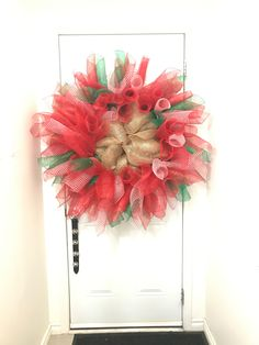 Christmas deco mesh wreath Deco Mesh Wreaths, Christmas Deco, 4th Of July Wreath, Fall, Projects, Crafts, Home Decor, Christmas Decor, Autumn