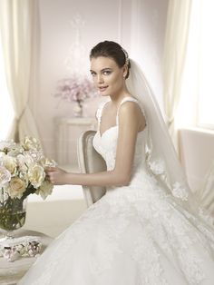 Style * DANISA * » Wedding Dresses » White One 2015 Collection » by San Patrick (close up)