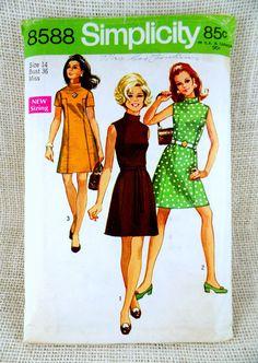 Simplicity 8588 Vintage Dress Pattern by momandpopcultureshop