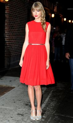 Taylor Swift Out In New York, red is such a good colour on her.
