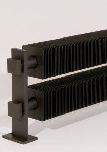 Le radiateur design VD 4632 est un radiateur design ailette de style industriel. On peut le mettre en vertical ou horizontal, il est disponible en chrome...