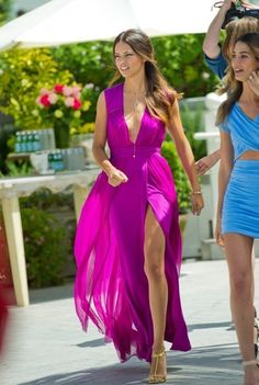 wow,love the dress and the color! adriana lima is soo pretty and such a fashionista! What To Wear To A Wedding, How To Wear, Pretty Dresses, Beautiful Dresses, Gorgeous Dress, Beautiful Women, Mode Rose, Bridesmaid Dresses, Prom Dresses