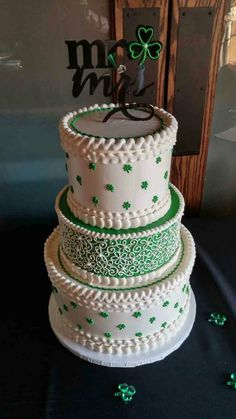 This would be nice if it was white on white scrumptions a ri my irish wedding cake junglespirit Gallery