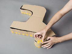tutoriel diy fabriquer une pi ata licorne en carton via. Black Bedroom Furniture Sets. Home Design Ideas