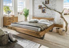 """Beim Schwebebett """"Madea"""" trifft urige Gemütlichkeit auf pfiffige Schwebe-Optik. Im Holz vorhandene Astrisse werden in der Produktion liebevoll betont und sorgen für ein außergewöhnliches und einzigartiges Aussehen. Die raffinierte Kombination aus rustikalem Wildeichenholz gepaart mit einer ausgeklügelten, schwerelosen Optik ist ein erlesenes Schmuckstück für das Schlafzimmer."""