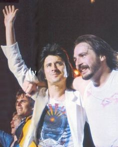 Steve Perry & the guys in Journey (too bad Neal is missing cause this is a great shot! Steven Ray, Journey Band, Neal Schon, Wheel In The Sky, Journey Steve Perry, Steve Smith, Love Me Forever, Rock Concert, Beautiful Voice