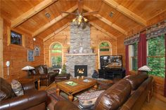 Cabin vacation rental in Gatlinburg, Tennessee, United States of America from VRBO.com! #vacation #rental #travel #vrbo