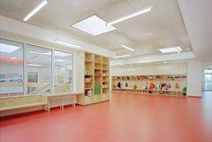 Primary School in Karlsruhe - built-in storage + lockers in communal/circulation spaces