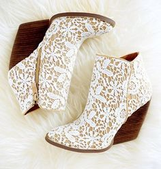 Very Volatile Tallulah White Multi Lace Ankle Boots - Lulu's