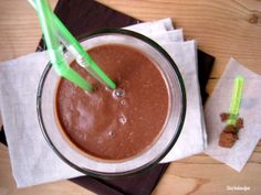 Zizi's Adventures: Healthy, Nutritious and Raw Chocolate Shake Healthy Chocolate Shakes, Healthy Shakes, Dairy Free Chocolate, Raw Chocolate, Banana Protein Pancakes, Easy To Make Breakfast, Cashew Cream, Real Food Recipes, Paleo Recipes