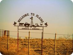 Plains, Texas - Home of The Cowgirls and Cowboys
