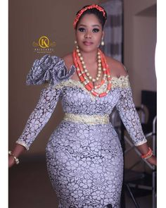 Bride with the body😍😍😍 Meet Beautiful Ella Makeup & 📸 Coral Beads African Wear Dresses, African Wedding Dress, Latest African Fashion Dresses, African Attire, Nigerian Dress Styles, Ankara Long Gown Styles, Elegant Dresses, Beautiful Dresses, Beautiful Bride