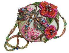 Buy Mary Frances Damsel In Flight Green & Pink Dragonfly Convertible Clutch Handbag Mary Frances Purses, Mary Frances Handbags, Beaded Purses, Beaded Bags, Vintage Purses, Vintage Handbags, Unique Handbags, Vintage Hats, Fashion Handbags