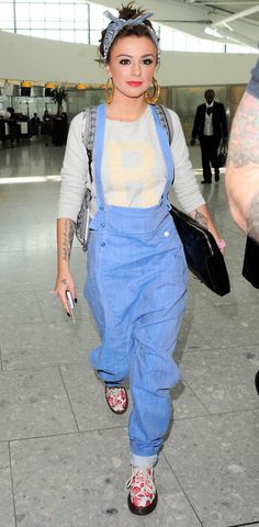 Cher Lloyd in a blue jumper #fashion
