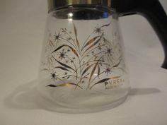 Pyrex 1 cup kaffe karaffel. 188,- https://www.etsy.com/no-en/listing/262191088/small-vintage-one-cup-pyrex-coffee-tea?ga_order=most_relevant&ga_search_type=all&ga_view_type=gallery&ga_search_query=retro%20coffee%20carafe&ref=sr_gallery_31