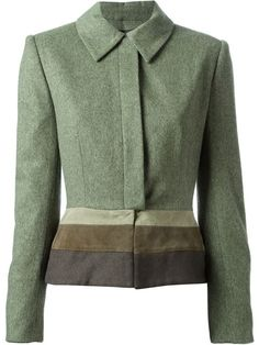 Shoppen Jean Louis Scherrer Vintage Jacke mit gestreiftem Saum von A.N.G.E.L.O Vintage from the world's best independent boutiques at farfetch.com. Over 1500 brands from 300 boutiques in one website.