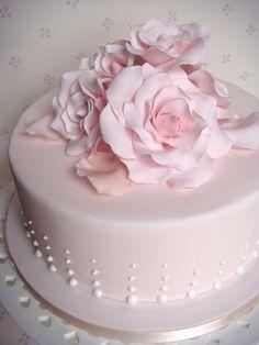 Birthday cake for women roses pink 44 ideas Beautiful Birthday Cakes, Birthday Cakes For Women, Beautiful Cakes, Amazing Cakes, Cake Birthday, Torte Rose, Fondant Cakes, Cupcake Cakes, Rose Petal Cake
