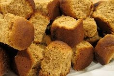 Kondensmelk Beskuit South African Dishes, South African Recipes, Rusk Recipe, Hard Bread, Healthy Breakfast Snacks, Good Food, Yummy Food, Specialty Foods, Afrikaans