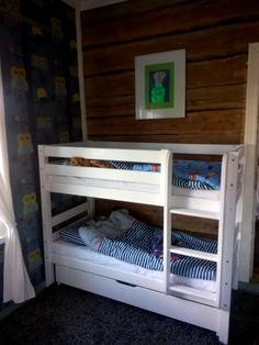 kerrossänky, lyhyt kerrossänky lapsille Bunk Beds, Furniture, Home Decor, Decoration Home, Loft Beds, Room Decor, Home Furnishings, Home Interior Design, Bunk Bed