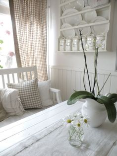 Beige gingham with huge doses of white -  Hagbacken.blogspot.se