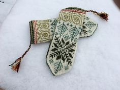 Fair Isle 6 pattern by Solveig Larsson Ravelry: Fair Isle 6 pattern by Solveig Larsson History of Knitting String spinning, weaving and stitching careers such . Knitted Mittens Pattern, Knit Mittens, Knitting Socks, Knitting Patterns, Crochet Patterns, Hand Knitting, Sweater Patterns, Vintage Knitting, Stitch Patterns