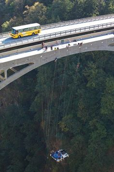 A hot tub that's suspended from a high bridge in Switzerland. That's extreme hot tubbing! High Bridge, Summer Pool Party, Party Party, Extreme Sports, Switzerland, Places To See, South Africa, Beautiful Places, Around The Worlds