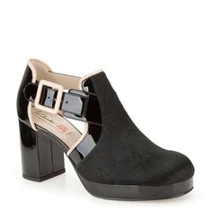 Who knew there were Orla Kiely designed Clark's? Cute!  Orla Dilly in Blk Interest Lea - Womens Shoes from Clarks