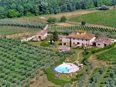 a hundred year old farmhouse in #Chianti?! Now THAT is the perfect #luxury #rental for a huge #reunion... @HomeAway #Tuscany #Italy #dream #vacation