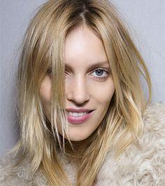 4 DIY Ways to Lighten Hair Naturally | Dailymakeover