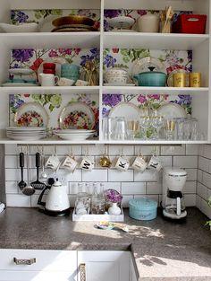 Kitchen Shelving: Designers Guild Alexandria Wallpaper finally up!