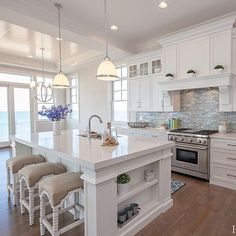 Luxury Kitchens Stunning Luxury White Kitchen Design Ideas 23 - White kitchen cabinets are a versatile choice for the kitchen of every house. When it comes to cabinets, they are […] Home Decor Kitchen, House Design, Beautiful Kitchen Designs, Luxury Kitchens, Kitchen Remodel, House Interior, Home Builders, Modern Farmhouse Kitchens, White Kitchen Design