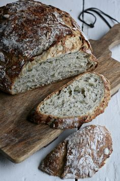 Eltefritt brød med chia, myse og gresskarkjerner – Maj-Britt Aagaard